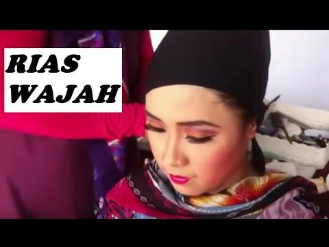 Merias Itu Mudah Memasang Sanggul Jilbab Youtube