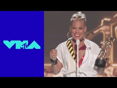 P!nk Accepts the 'Michael Jackson Video Vanguard Award' | 2017 VMAs | MTV