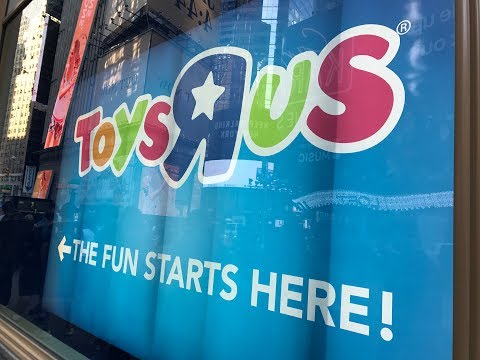Toys R Us Times Square Grand Opening 2017 (Now Closed 💔)