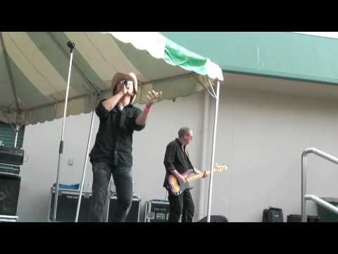 Breathe (featuring Nino From 41) // ELEVATION (Canadian U2 Tribute Live In Japan)