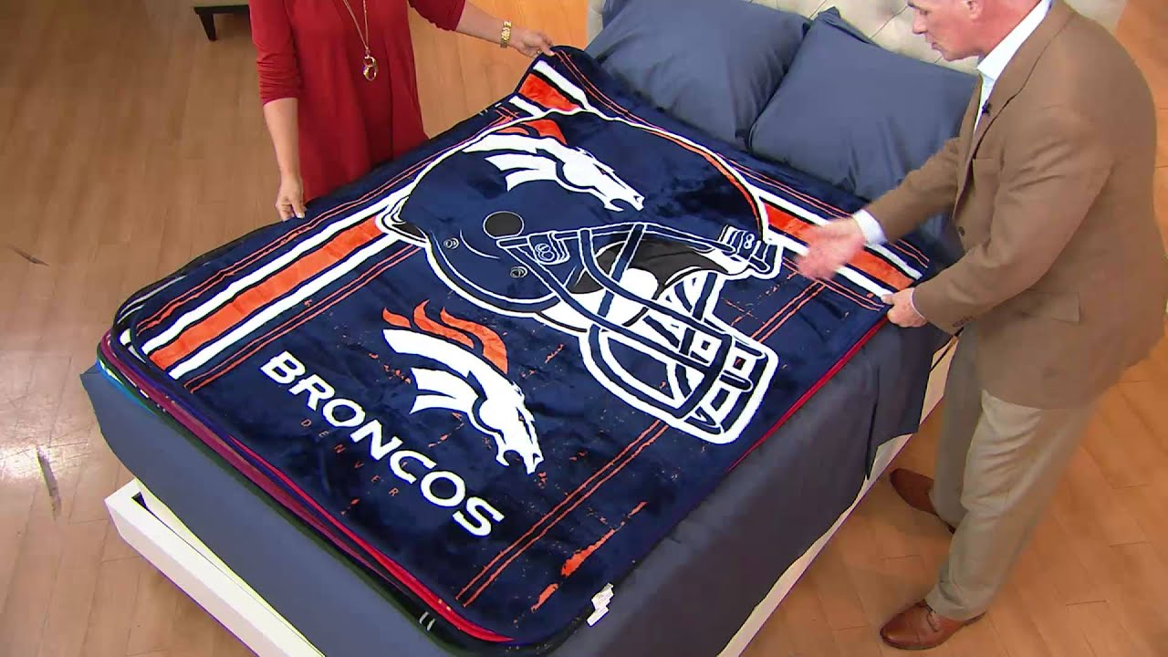 nfl team plush 50 x 60 throw blanket by northwest with dan hughes youtube. Black Bedroom Furniture Sets. Home Design Ideas