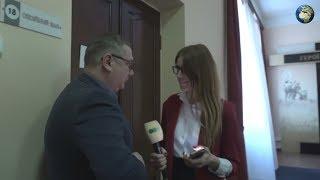 Украинский чиновник включил порно во время совещания и сбежал из зала