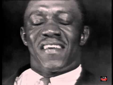 Art Blakey and his Jazz Messengers - Caravan (Live video 1963-ish..)