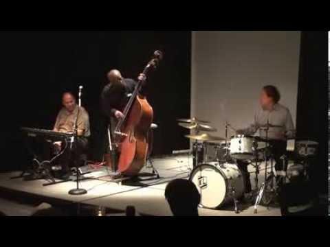 "Ken Loomer,John Lamb,Kenny Drew Jr ""Solar"" by Miles Davis"