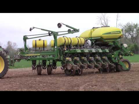 John Deere 9410R and 1790 Planter in Transport Mode