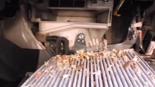Замена салонного фильтра на Toyota Rav 4 2.2 diesel D-CAT 177 л.с. Replacement salon Filters