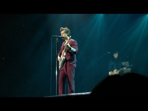 Harry Styles - Just a Little Bit of Your Heart, live in Antwerp, Sportpaleis