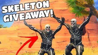 SKULL TROOPER GIVEAWAY! *SKELETON* (Fortnite Battle Royale: Rare Skin)