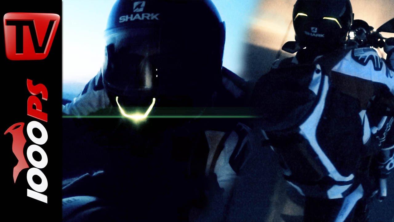 video shark skwal testfahrt bei nacht led beleuchteter. Black Bedroom Furniture Sets. Home Design Ideas