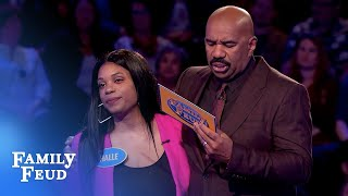 Brent and Halle go for the BIG BUCKS! | Family Feud