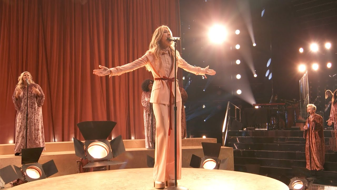 Out & About: Lauren Daigle on The Voice
