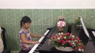 Lớp piano trẻ em Thủ Đức - Thùy Trang - Mùa Xuân Đến Rồi[TT ÂN Upponia- Tự Học Piano.com]