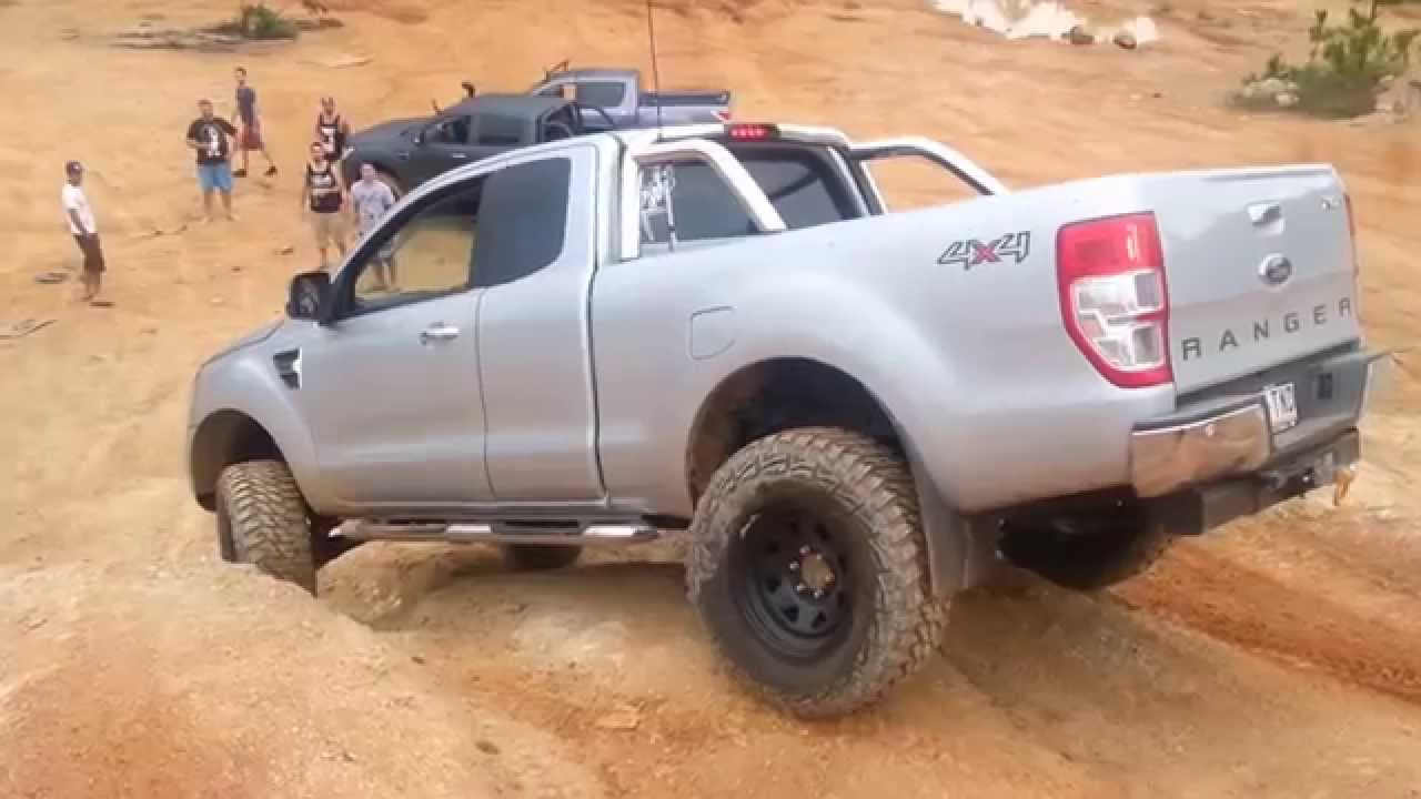 14 Inch Tires >> Glass House Mountains 4x4 Ford Ranger PX snaps front drive shaft - YouTube
