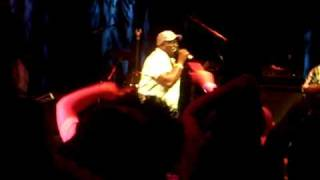 Barrington Levy - Living Dangerously (live 7-7-10)