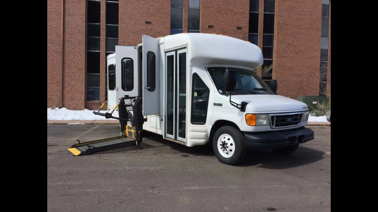 medium resolution of 2007 ford e450 starcraft shuttle bus handicap lift for sale stk 7da51655 co fleet mobility