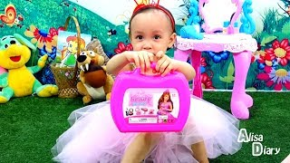 ALISA plays. Princess Barbie Makeup kit аnd fashion Accessories, playing Princess Chest,  Beauty,