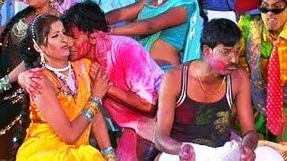 holi hey bhauji ke uppar niche sona chandi