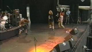 Download Even Flow - Pearl Jam - Live In Pinkpop 1992 HD MP3 song and Music Video