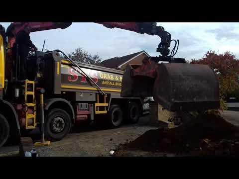 Sts grab hire at Bexleyheath loading