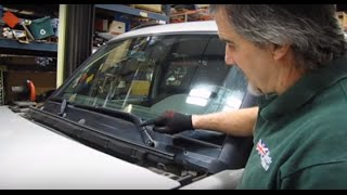Installing Center Air Intake Moulding - Discovery Series II