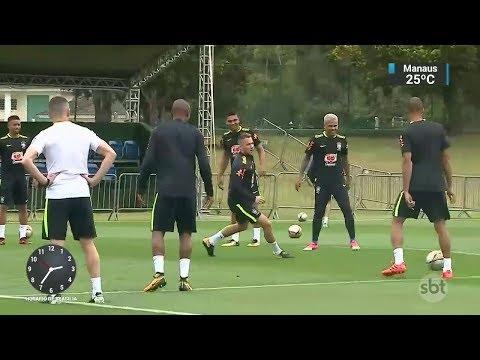 Seleção Brasileira já está na Bolívia para o jogo desta tarde | SBT Notícias (05/10/17)