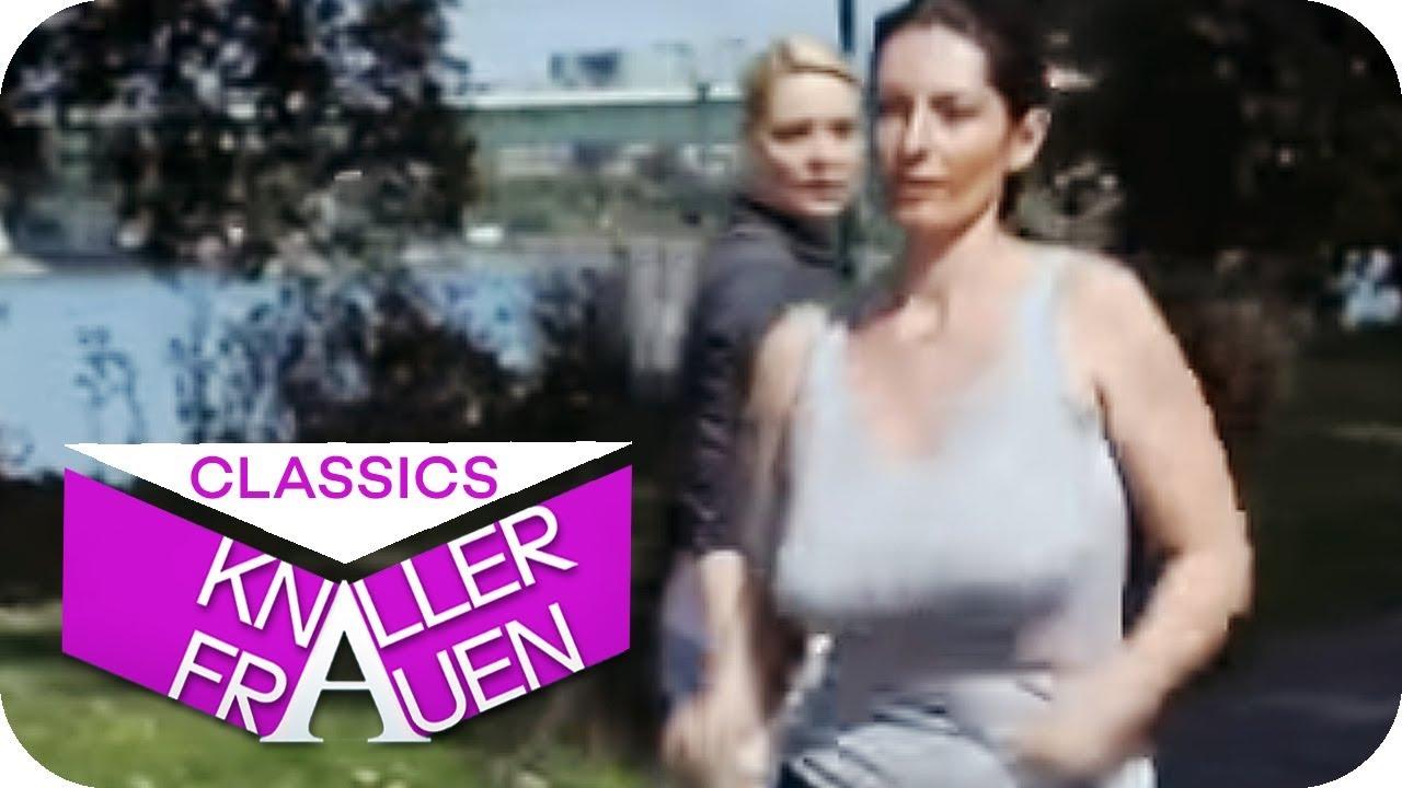 Wippende Brüste [subtitled] | Knallerfrauen mit Martina Hill