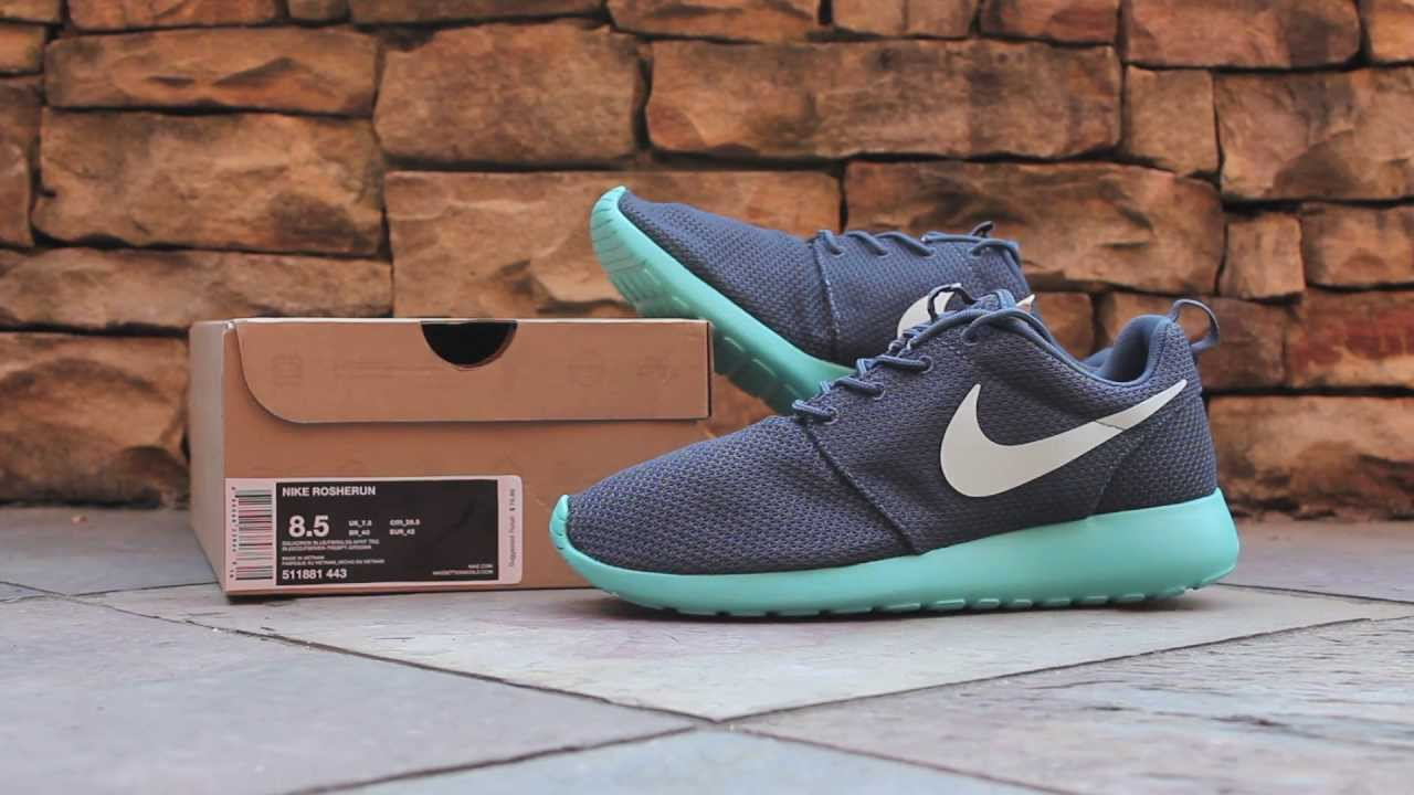 Quick Look  Nike Roshe Run - Squadron Blue - YouTube 4ccdaef352