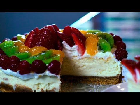 new-york-cheesecake-recipe-with-fruit-and-whip-cream