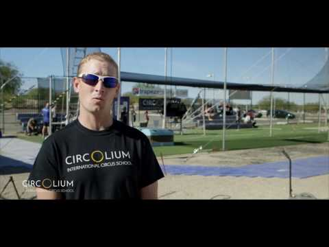Circolium Flying Trapeze - Coach Chris Ries