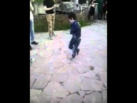 Ловзар 2015 маленький мальчик танцует