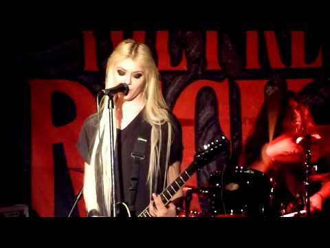 "The Pretty Reckless (Taylor Momsen) - ""My Medicine"" Live - Seattle, WA - 03-17-12"