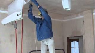 Как поклеить стеклохолст на потолок одному(С помощью этой штанги так же армирую потолок сеткой и клею обои., 2015-04-09T19:35:06.000Z)