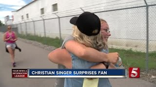 Singer Surprises Teen After 300 Mile Walk