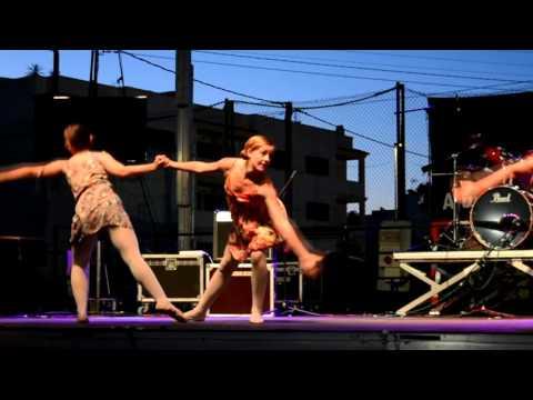 Banana Dance Studios: Actuación Ballet, Moderno, Flamenco, PUIG D