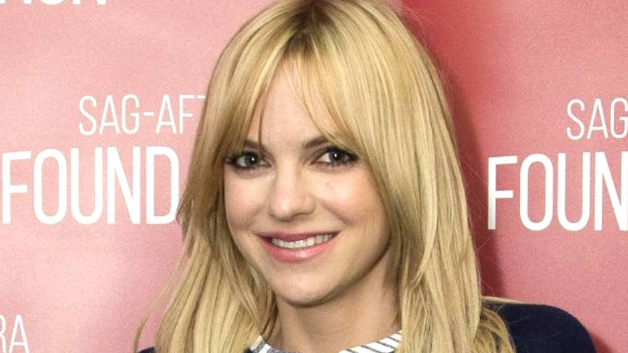 This Is Why Anna Faris Has To Leave Mom