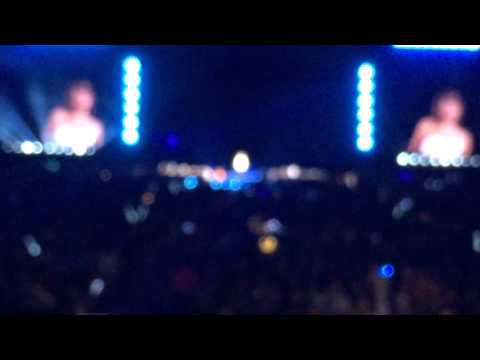 people at Gillette taylor swift 1989 tour Gillette stadium night 2 from YouTube · Duration:  6 seconds