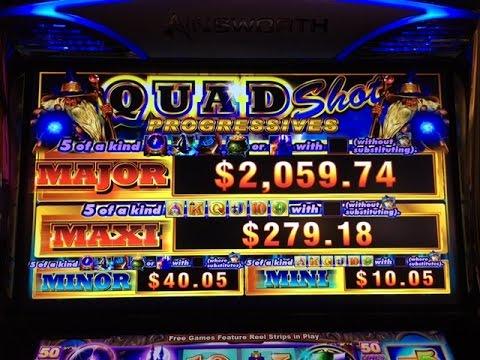 Wonder wizard slot machine poker chip set