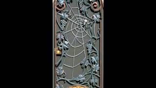 Красивый дизайн кованой калитки с пауком на паутине, рисунок, узор, идеи