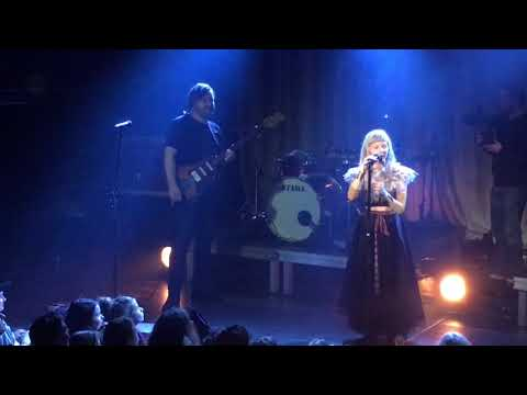 Mix - Aurora - Nature Boy (a capella Nat King Cole cover) - Live at the Melkweg