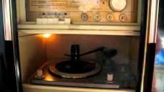 1960年代のビクターステレオで聴く。ザ・ドリフターズの「みよちゃん」...