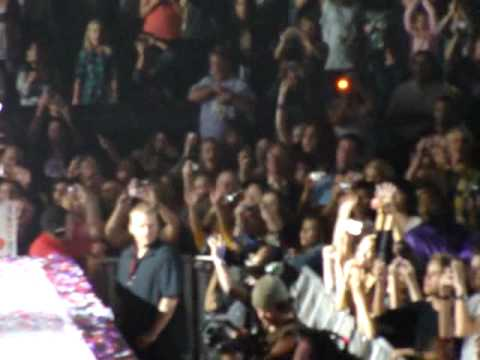 Hot N' Cold with Katy Perry- Taylor Swift 4/15/10