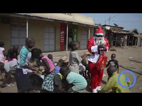 Nyalenda MCA dresses in Santa costume to distribute confectioneries
