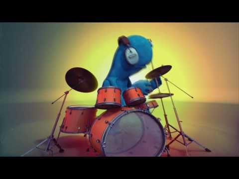 Drongo plays the drums!