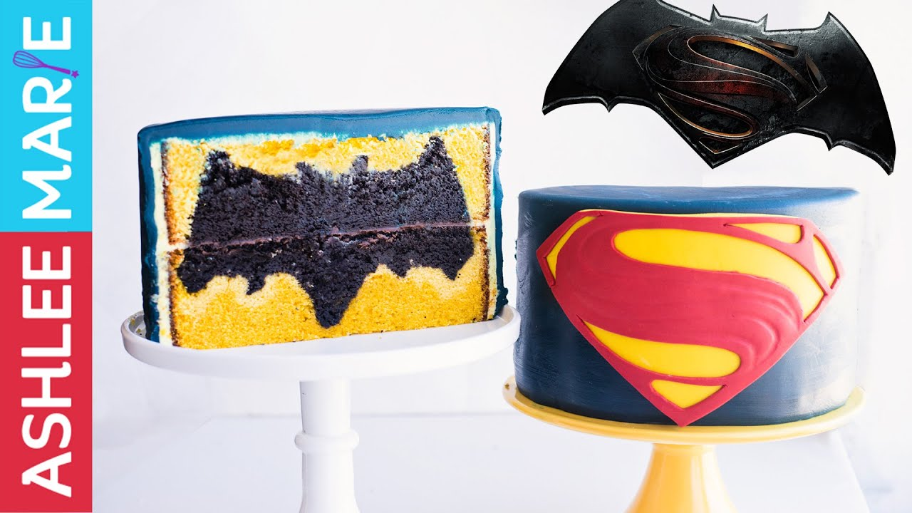 Papercraft How to make this design inside Batman vs Superman cake