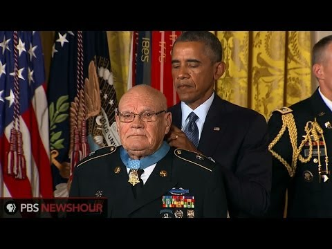 Thanks to an exemption, two Vietnam veterans receive the Medal of Honor