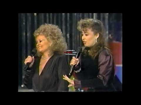 Tammy Faye & Tammy Sue Bakker's 'Lean On Me' Duet on Live TV: 123186