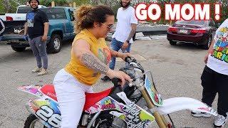 mom-rides-dirt-bike-like-a-pro