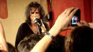Watch Alice Cooper We Gotta Get Out Of This Place video