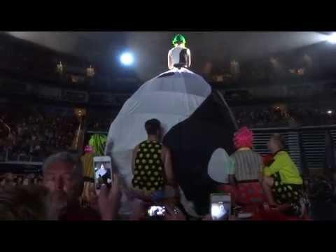 Katy Perry Prismatic World Tour - Walking on Air / It Takes Two - Salt Lake City