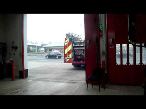 London Fire Brigade  G232 Hillingdon Pump Leaving G23 Hillingdon Fire Station